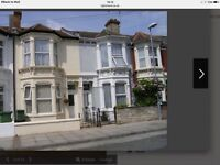 Southsea, Portsmouth 3/4 bedroom house. Immaculate throughout, spacious rooms, plus stunning kitchen