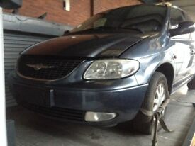 2003 Chrysler Voyager breaking , all parts available