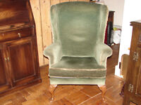 EMERALD GREEN LOUNGE/WING CHAIR WITH BEAUTIFUL CARVED WOODEN LEGS