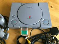 PS1 Consol 7 Games 2 Controllers