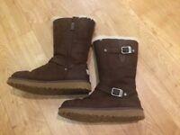Genuine UGG Australia brown Leather Kensington Boots Size 3