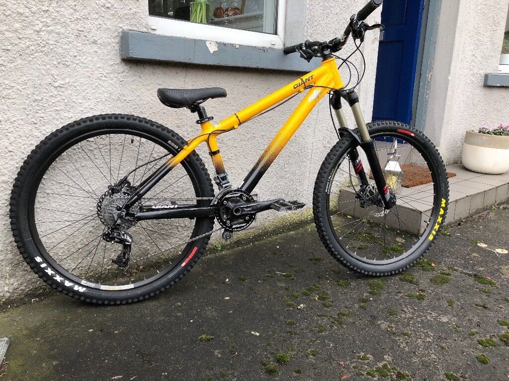 Giant STP Hardtail MTB Mountain Bike, great condition, lots of upgrades