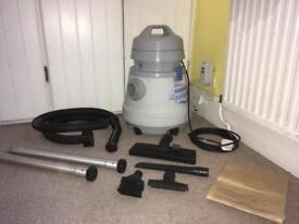 Industrial hoover wet&dry vacuum