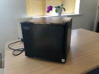 Caldura 17L mini fridge