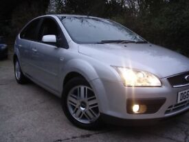 Ford Focus 1.6 Ghia 5dr/SERVICE HISTORY/LONG MOT/DRIVES EXCELLENT