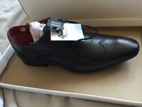 Men's shoes Size 6
