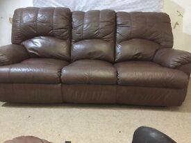 leather 3+2 brown recliner sofa can deliver