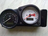 gsxr srad 600 clocks\speedo