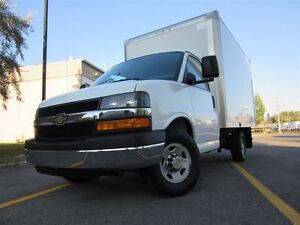 2013 Chevrolet Express Cube 12 pieds ** Comme neuf! **