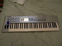 Yamaha CS2X Synth Keyboard