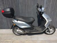 Piaggio fly 50cc one year mot full logbook 2 keys £495