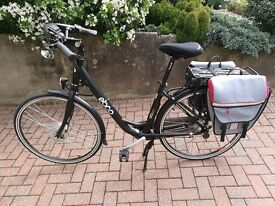 EBCO UCL30 Electric Bike + saddle bags + gel seat cover