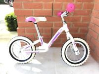 CUDA BLOX RUNNER BALANCE BIKE - WHITE WITH PINK