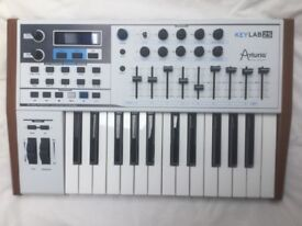 KeyLAB25 Arturia synthesizer, appears to be unused