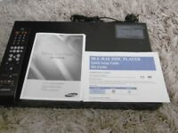 BLUERAY/DVD Disk Player Samsung BD-P1500- Hardly used.