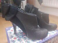 Irregular choice heel boot shoes size 6 / 39