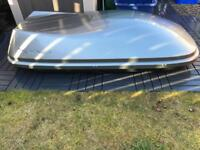 Exodus 580l Roof Box - good condition.