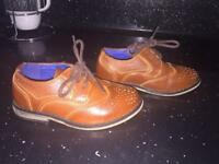 Boys River Island Shoes Size 6