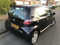 Toyota Aygo Automatic 5 door FSH 2 Keys only 1 owner from new Long MOT.... Bargain