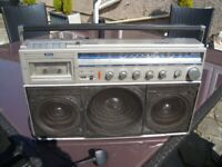 VINTAGE COLLECTORS / LARGE PHILLIPS RADIO AND TAPE DECK ONLY £50 FOR QUICK SALE