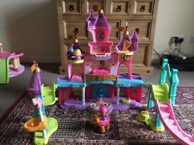 Toot toot kingdom castle