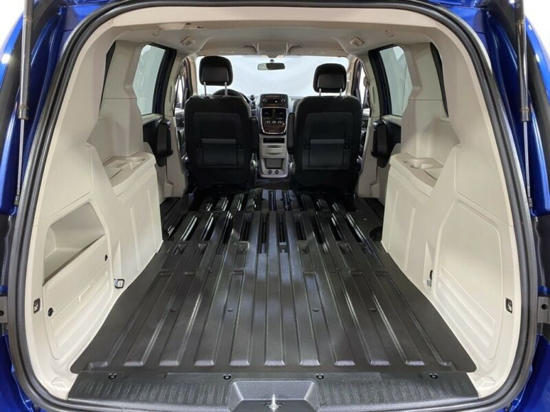 Image 3 Voiture American used Dodge Grand Caravan 2011