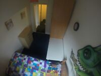 s. VAUXHALL , cheap single room available right now! hurry up!! will be gone by the end of tomorrow