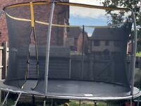 14ft Trampoline & Enclosure