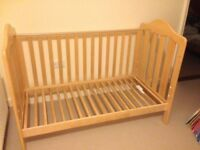 Mama & Papas Lucia Cot Bed