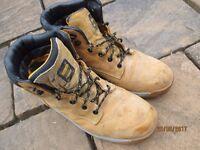 Dewalt safety boots size 9