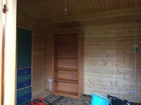 Large Garden cabin, nearly new
