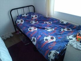 Excellent condition standard single bed