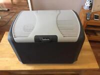 Electric cool box 12volt/240 volt