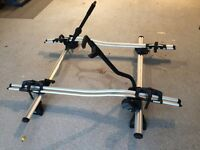 Thule 591 bike carriers x2 with roof bars and Rapid System feet. VGC