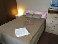 Large Bedsit room with own kitchen, shared bathroom inc most Bills from 1st Oct