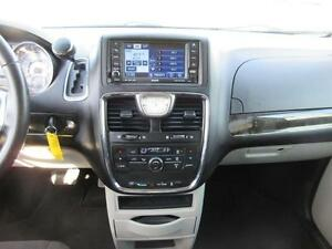 2011 Chrysler Town and Country Cambridge Kitchener Area image 15