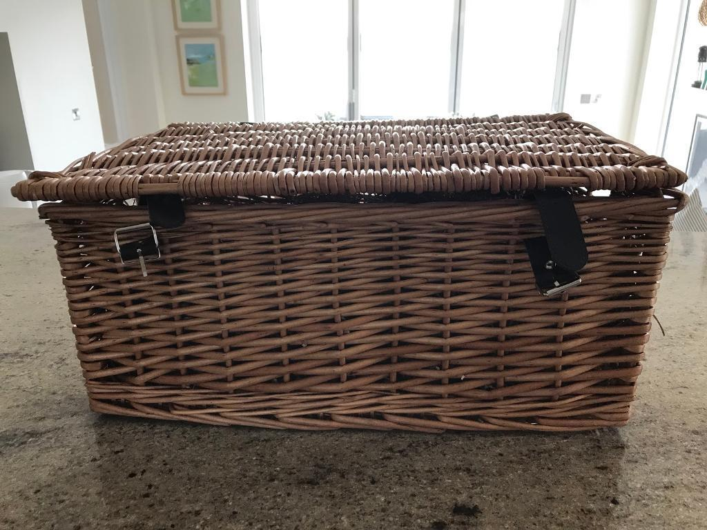 Hamper basket for sale