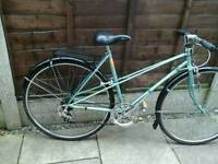 RETRO LADIES RALEIGH SILHOUTTE, ,ROAD BIKE, TOWN BIKE, 700 WHEELS, MUDGAURDS, REAR RACK.