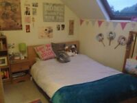 DOUBLE ROOM in All Female House share - Kirkstall.