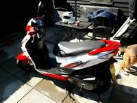 Sym Jet4\50cc Scooter 2014 64 with jacket helmet and gloves