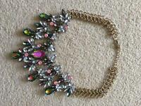 Fashion Necklace - Ornate Jewelled