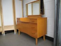 VINTAGE RETRO LIGHT OAK FOUR DRAWER DRESSING TABLE WITH GLASS SHELF AND MIRROR FREE DELIVERY