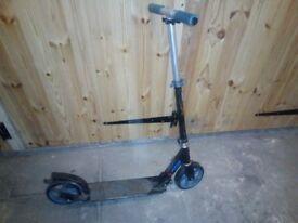 Children's push scooter