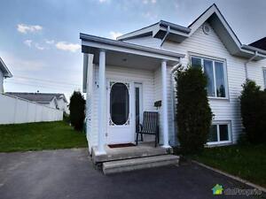 164 500$ - Jumelé à vendre à La Baie Saguenay Saguenay-Lac-Saint-Jean image 1
