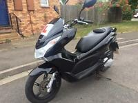 Honda PCX 125 cc ! 1 owner from new ! 6000 miles ! Excellent condition