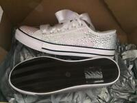 New size 8 glitz pumps