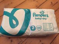 Brand new Pampers Baby Dry Nappies Suze 3 pack of 66