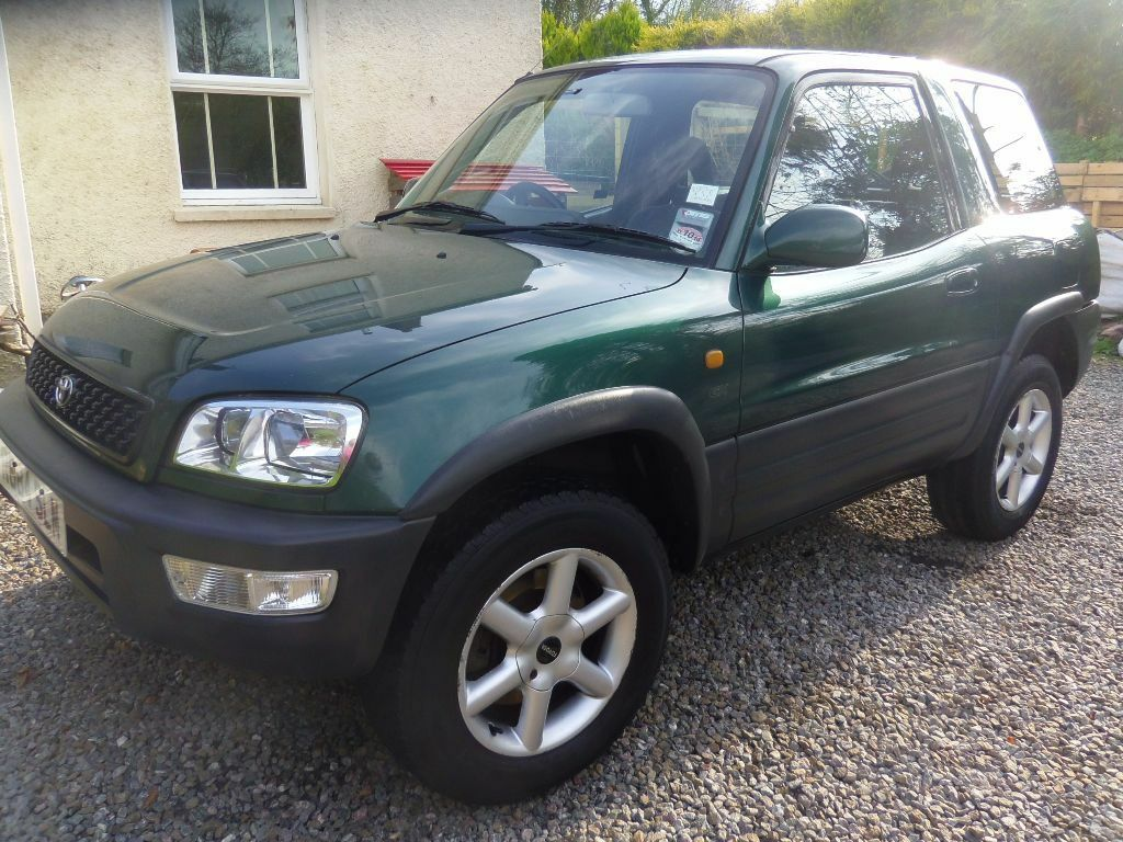 toyota rav4 1998 12 months 39 mot a reliable little 4x4 with a sunroof in narberth. Black Bedroom Furniture Sets. Home Design Ideas