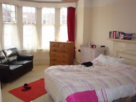 Very large double room £170 p/w