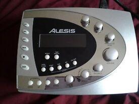 ALESIS PLAYMATE GUITAR TRAINER